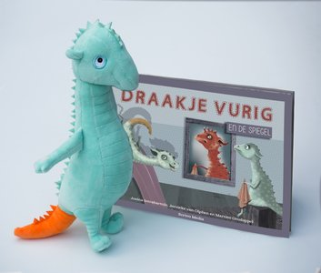 Set Draakje Knuffel + boek Draakje Vurig en de spiegel